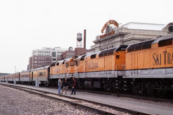 Denver_Ski_Train_2003